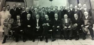 Dr. J. Köppl links unten sitzend - Mitte Dr. Billinger  2017-02-24 um 07.10.52